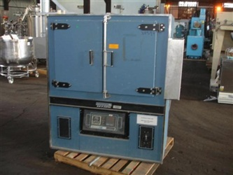 Blue M Electrically Heated Oven, Model DC-136G