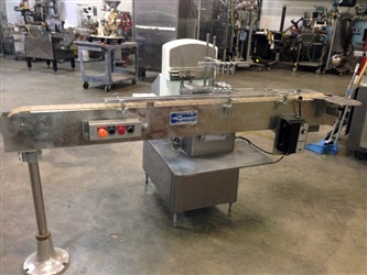 Cozzoli Liquid Piston Filler Model VR520