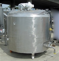 Cherry Burrell MD# WTC 600 Gallon S/S Jktd Tank with Agiatation
