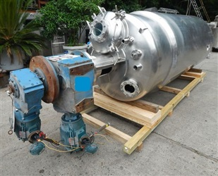 Stainless Fabricators 2500 Liter Vacuum JKTD, DBL Motion Agitated Processor